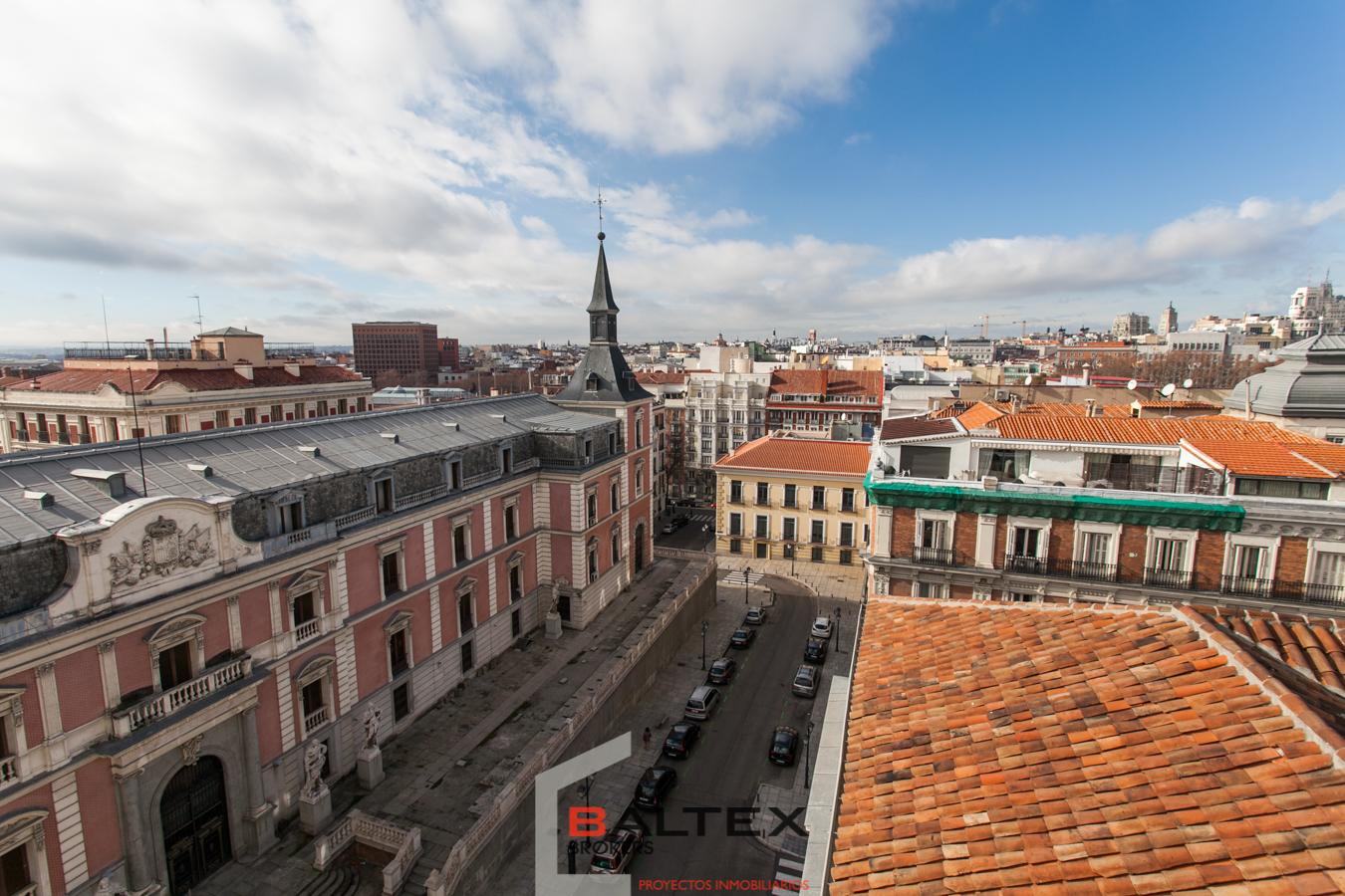 Oficina con terraza Barrio Jerónimos